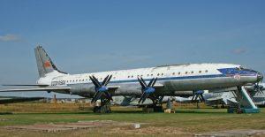 Die Tu-114 war eine Ableitung des strategischen Bombers Tu-95 mit einem neuen Rumpf für bis zu 220 Personen. Die Tu-114 kam in den 60er Jahren in den Liniendienst der Aeroflot und war bis zum Erscheinen der Boeing 747 der größte Airliner der Welt. Insgesamt wurden 32 Maschinen gebaut. Hier ein Exemplar im russischen Luftfahrtmuseum Monino. (#8)