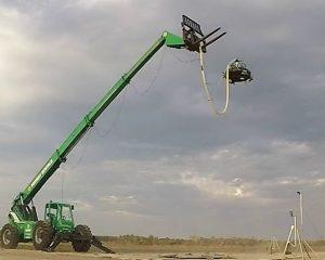 Hier der Prototyp des MX-1 bei Freiflugversuchen auf dem NASA-Testgelände Wallops Island. (#3)