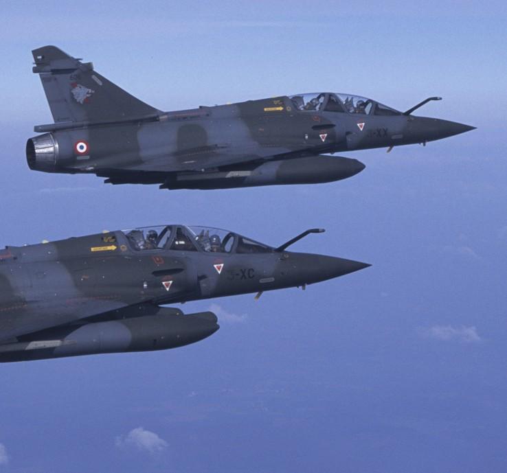 """Zwei Mirage 2000D der E.C. 3/3 """"Ardennes"""" in Formation (#03)"""