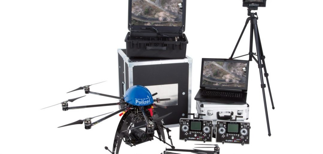 So sieht ein Drohnen-System samt Kameras und Bodengeräten für den Polizeieinsatz aus.  (#11)