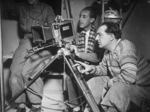 """Fritz Lang bei Dreharbeiten zu """"Frau im Mond"""". (#01)"""