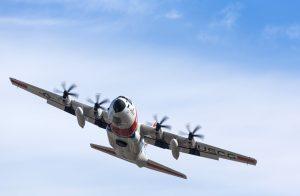 """Die amerikanische Küstenwache (U.S. Coast Guard) nutzt die C-130 """"Hercules"""" als Transporter und Suchflugzeug."""