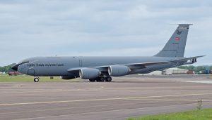 """Eine Boeing KC-135R """"Stratotanker"""" der türkischen Luftwaffe, aufgenommen am 7. Juli 2016 auf der RAF-Basis in Fairford beim Besuch des Royal International Air Tatoo, einer der größeren Flugschauen für die Militärluftfahrt in Großbritannien.  (#2)"""