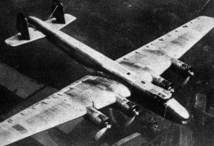 Diese wohl bekanntes Flugaufnahme der Do 19 zeigt die V1 bei einem Testflug, bevor sie ihre offizielle Zulassung erhielt. (#1)