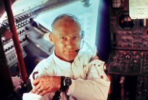 Kein Raumpilot ohne Sonnenbrille: Edwin Aldrin in der Apollo-11-Landefähre. (#3)