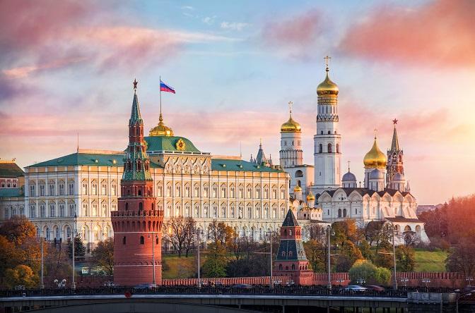 Die damals angeschlagene wirtschaftliche Situation des Flugkonzerns wurde von den Verantwortlichen als Hauptgrund für die Streichung der Routen von Germanwings nach Moskau, genannt. (#04)