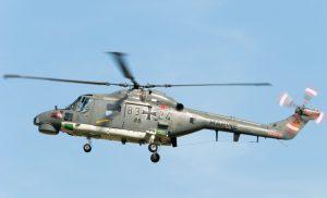 Von 22 Maschinen Sea Lynx stehen der Flotte gerade mal fünf zur Verfügung. Da wird das 'Flugzeug' der Marineflieger zum 'Stehzeug'. (#4)
