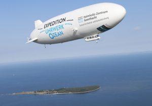 Der Zeppelin NT über der Ostsee. (#1)