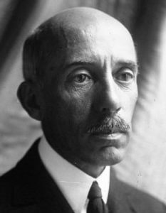 Der Brasilianer Alberto Santos-Dumont um 1922. Zur damaligen Zeit in Europa nicht weniger bekannt als die Gebrüder Wright. (#4)
