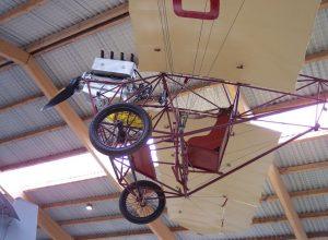 Aus der Zeit der Gebrüder Wright: Dieser Nachbau von Ellehammers erstem Motorflugzeug hängt im dänischen Luftfahrtmuseum in Staunig. (#2)