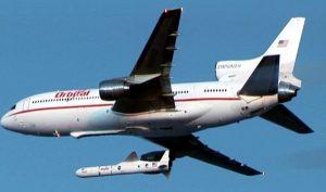 """Pegasus""""-Rakete wurde ursprünglich von einer umgebauten Lockheed """"Tristar"""" aus gestartet. Nun soll """"Stratolaunch"""" als fliegende Startplattform. (#5)"""
