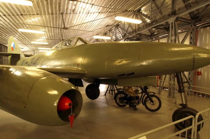 Aufnahme einer Avia-92, des tschechoslowakischen Nachbaus der Me 262, im Luftfahrtmuseum in Prag. (#1)