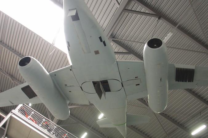 Kurz vor Kriegsende erhielten einige Me 262 noch Startschienen für R4M-Raketen; hier zu sehen an der Me 262 im Technikmuseum Speyer. (#2)