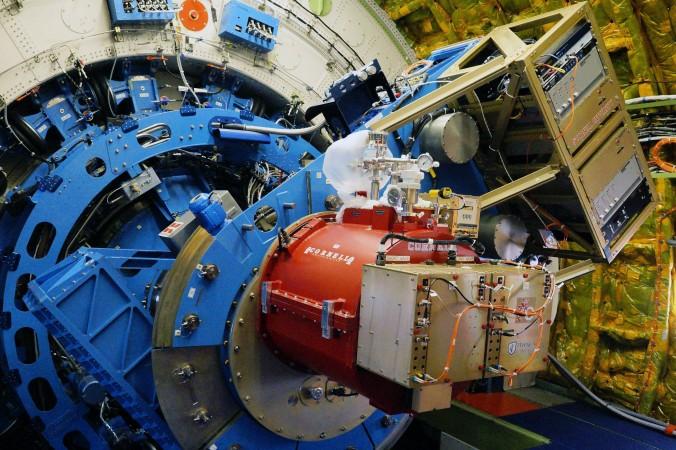 Blick in den Teleskop-Raum an Bord der Boeing 747SP SOFIA. Das Teleskop wurde in Deutschland gebaut. (#3)