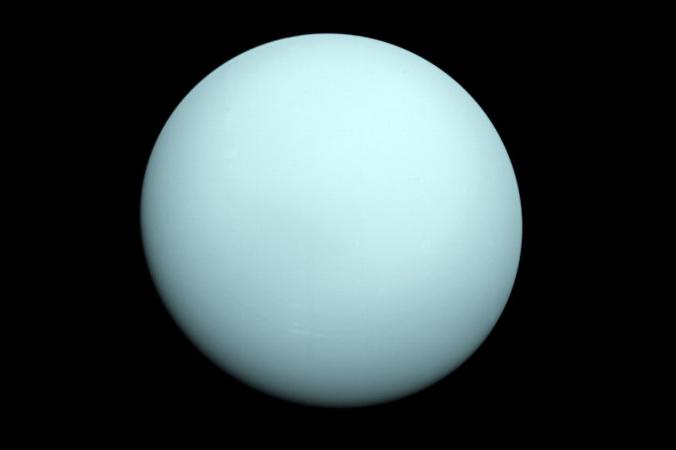 """""""Voyager 2"""" machte 1986 dieses Foto vom Planeten Uranus. Dort hat sich offenbar seit der Entstehung des Planeten nicht viel getan. (#10)"""