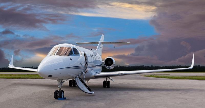 Wer geschäftlich schnell von A nach B kommen muss, für den gibt es kaum eine Alternative zu Business Aviation. (#01)