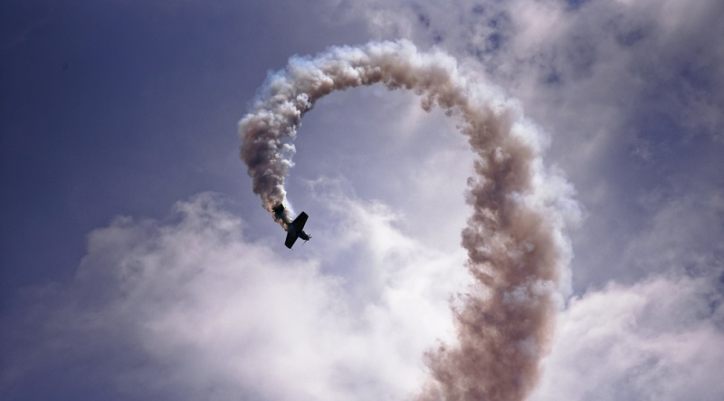 Einen kunstvollen Looping zu fliegen ist der Traum vieler Piloten. (#01)