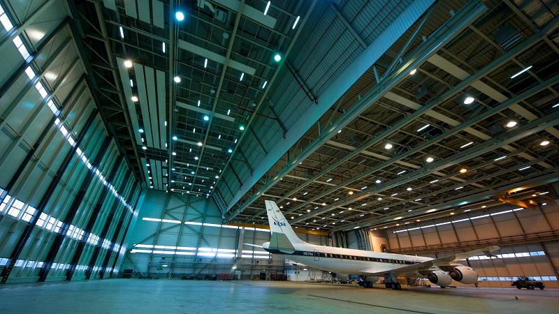Die DC-8 der NASA im Hangar auf der Ramstein Air Base (#01)