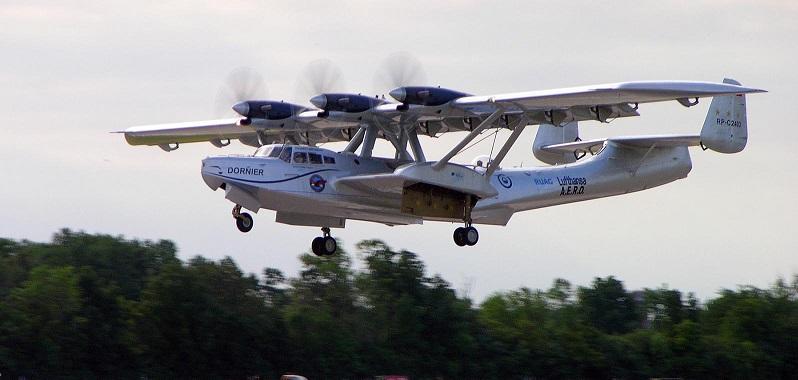 Aufgenommen beim Start auf der Oshkosh Air Show im Jahre 2005 – die einzige noch fliegende Do 24. Iren Dornier ließ die Maschine mit einem Radfahrwerk ausrüsten. (#06)