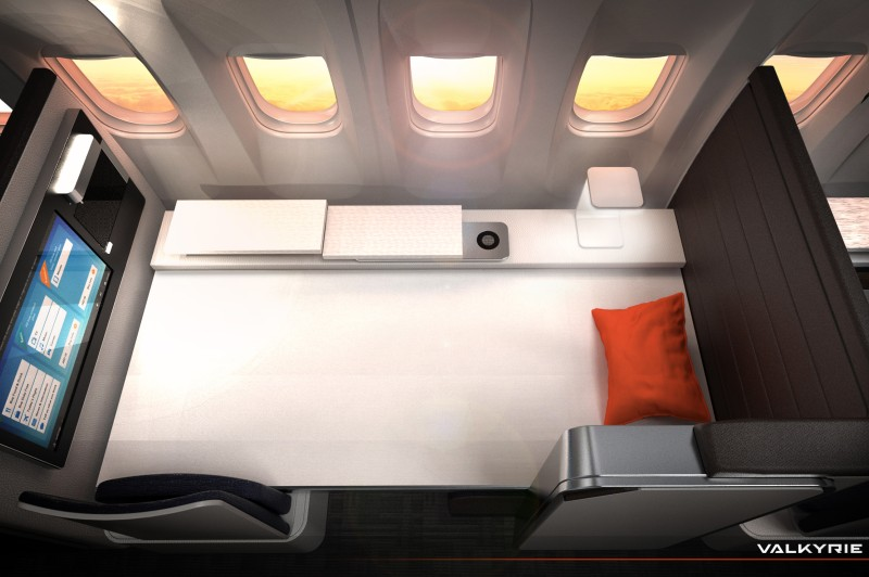"""Das """"Valkyrie Bed"""" bietet eine ausziehbare Rollmatratze, die über den Sitz gezogen wird. (#5)"""