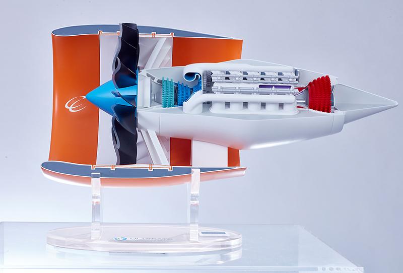 Querschnitt des neuen Treibwerkskonzepts des Bauhauses Luftfahrt. Es verbindet Kolbenmaschine und Düsentriebwerk. (#7)