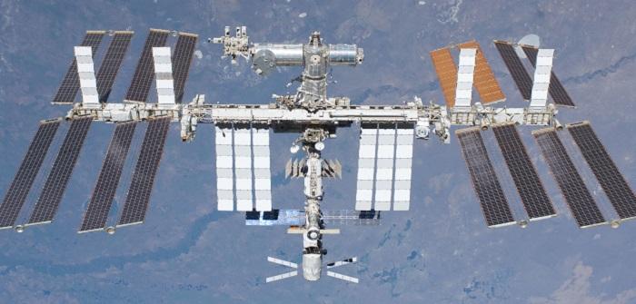 Die Internationale Raumstation ISS ist ein Gemeinschaftsprojekt zahlreicher Industrieländer. Für die nächsten sechs Monate wird Alexander Gerst ihr Kommandant sein. Zur Zeit sind neben Gerst fünf andere Astronauten aus den USA und Russland an Bord.