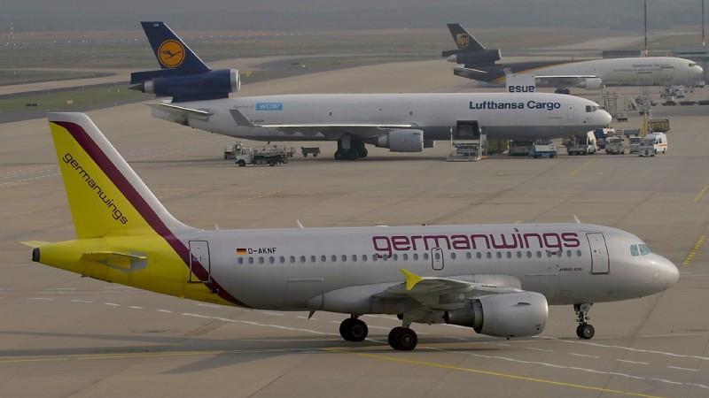 Ein Airbus A319 von Germanwings, aufgenommen 2003. Die Lufthansa-Tochter German Wings ist in Deutschland Marktführer im Segment der Low Cost Carriers. (#5)