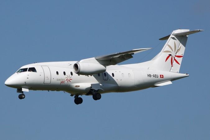 Do 328-300 Jet der Fluggesellschaft Swiss Jet, aufgenommen 2010 bei der Landung auf dem Flughafen Zürich-Kloten. (#1)