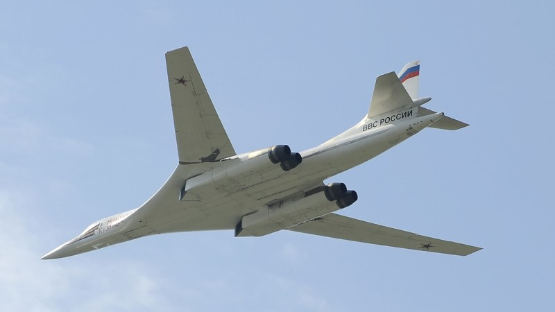 Die Produktion des schweren Schwenkflügelbombers Tu-160 soll neu anlaufen, kommt aber nicht voran. Im Bild eine der bislang gebauten 16 Maschinen. (#2)