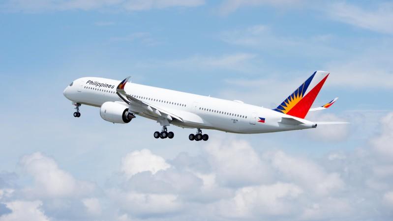Die erste A350-900 für Philippines Airlines beim Start in Toulouse. (#3)