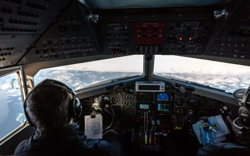 Blick aus dem Cockpit von Polar 5 auf das Eismeer östlich von Grönland. (#3)