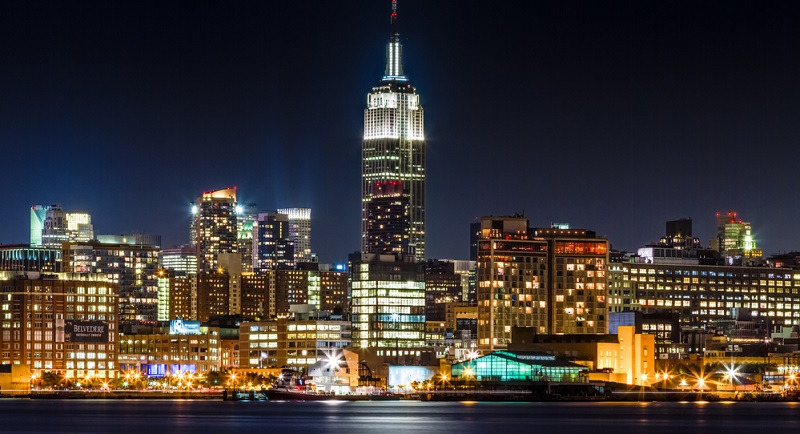 Besuchen Sie unbedingt das Empire State Building und schauen Sie sich von dort die Stadt an! Die Aussicht ist von hier noch schöner als vom Rockefeller Center aus.(#04)