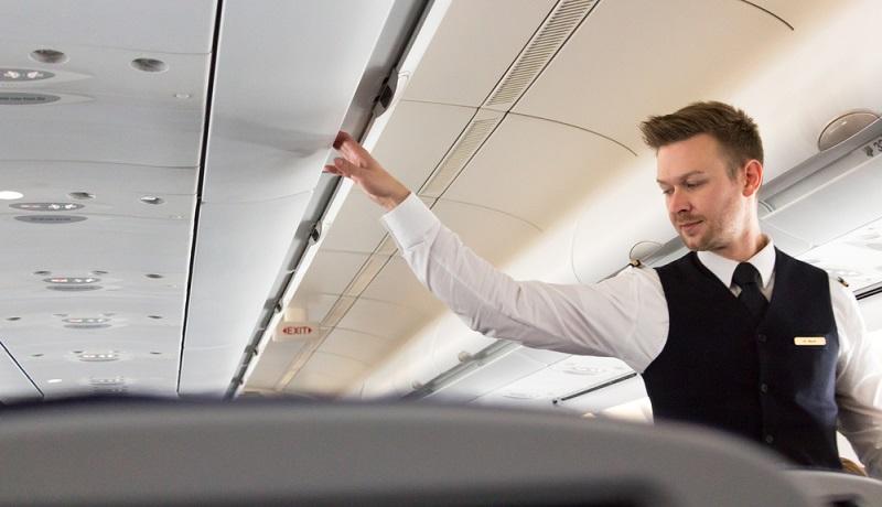 Der Beruf der Stewardess stellt nicht nur eine interessante Tätigkeit dar. Darüber hinaus bietet er viele handfeste Vorteile.