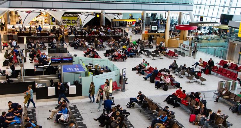 Die Zukunftsaussichten stellen einen weiteren zentralen Aspekt bei der Berufswahl dar. Es ist nicht nur wichtig, sich darüber zu informieren, wie hoch das aktuelle Stewardess Gehalt ist. Auch die zukünftigen Entwicklungen spielen dabei eine wichtige Rolle. In dieser Hinsicht können die Berufe in der Luftfahrtindustrie voll überzeugen. Es wurde bereits dargelegt, dass die Passagierzahlen in den letzte