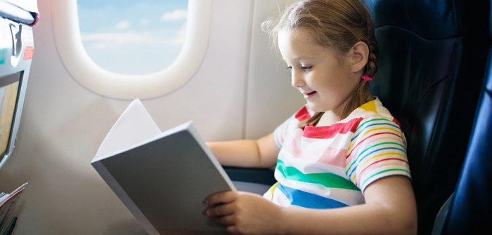 Babys und Kinder beschäftigen: Entspannter fliegen dank Ablenkung
