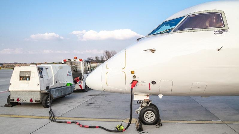 In den Produktionsprozessen der Luftfahrtindustrie spielt die Dosiertechnik eine weitaus größere Rolle, als man gemeinhin annehmen möchte. ( Foto: 2 shutterstock_Longfin Media )